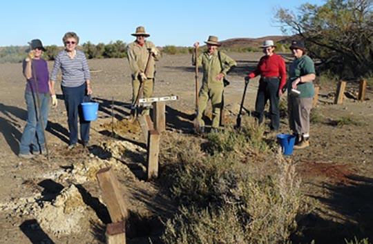 FOMS volunteers installing bollards in carpark at The Peake Springs, June 2008